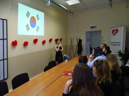 Spotkanie z językiem i kulturą koreańską - Claire Mia Pruvost wolontariuska z AIESEC 05-06 2019